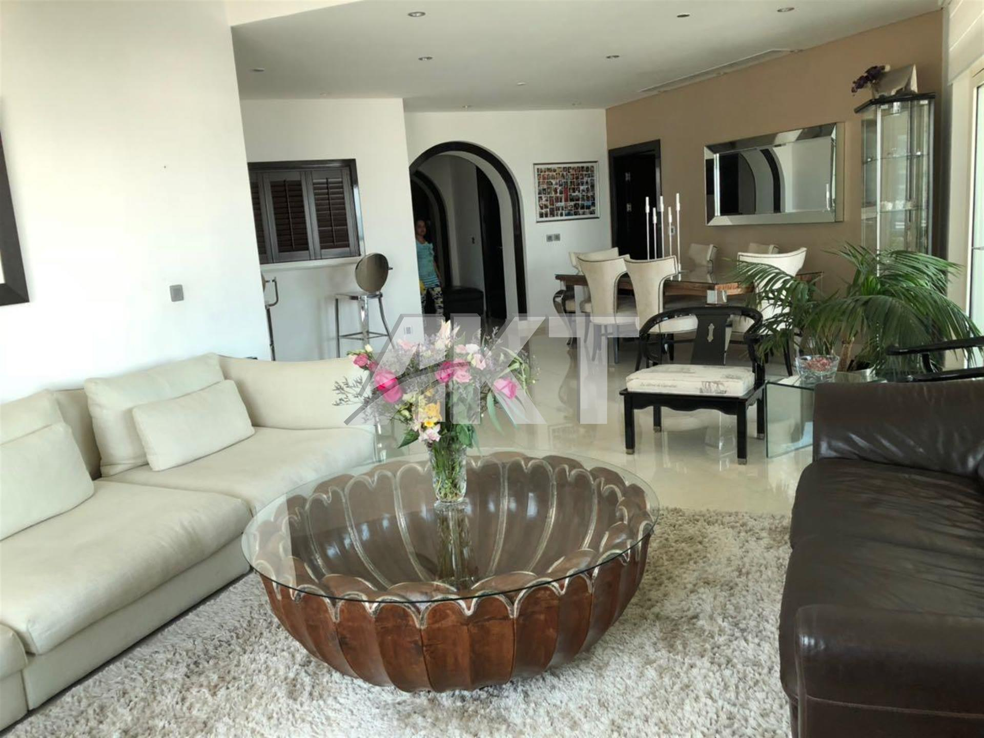 2 M/ 3+Maid / Renovated / Sea View / HOT DEAL