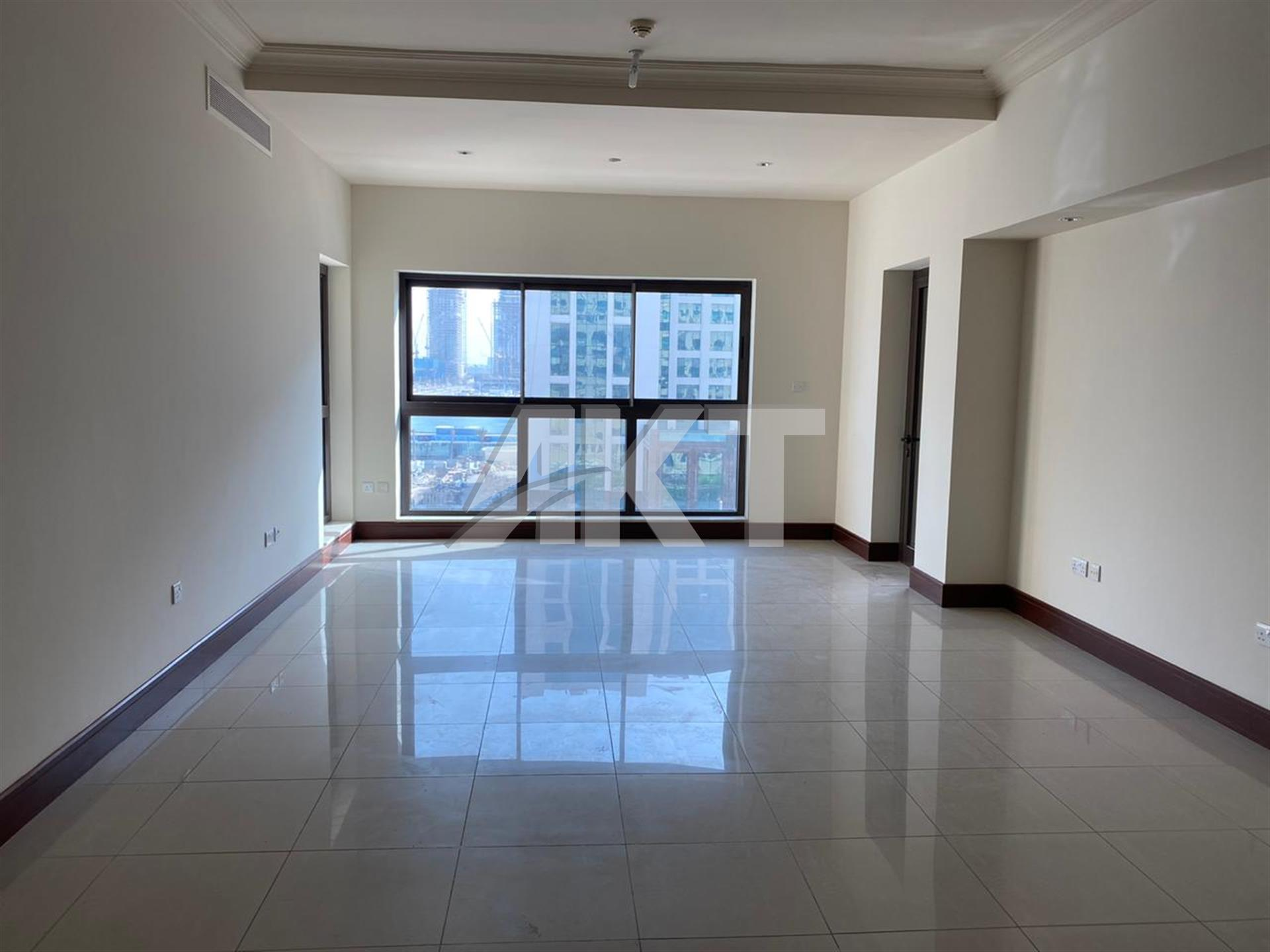 100 K / Golden Mile / 2 Beds + Maid / Palm Jumeirah / Un-furnished