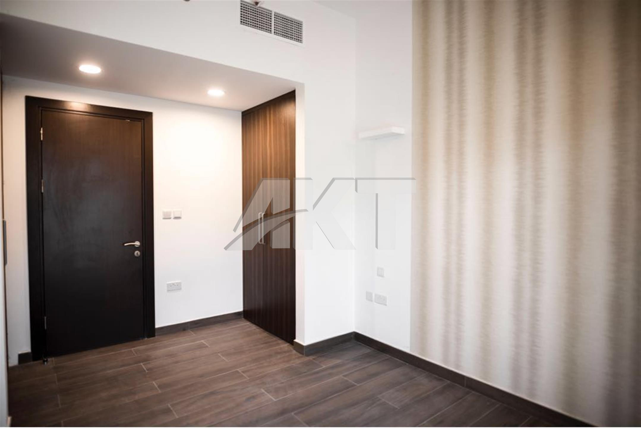 40K Yearly/ With Multiple Cheques /One Bed Room /  with Balcony  / Joya Jvc