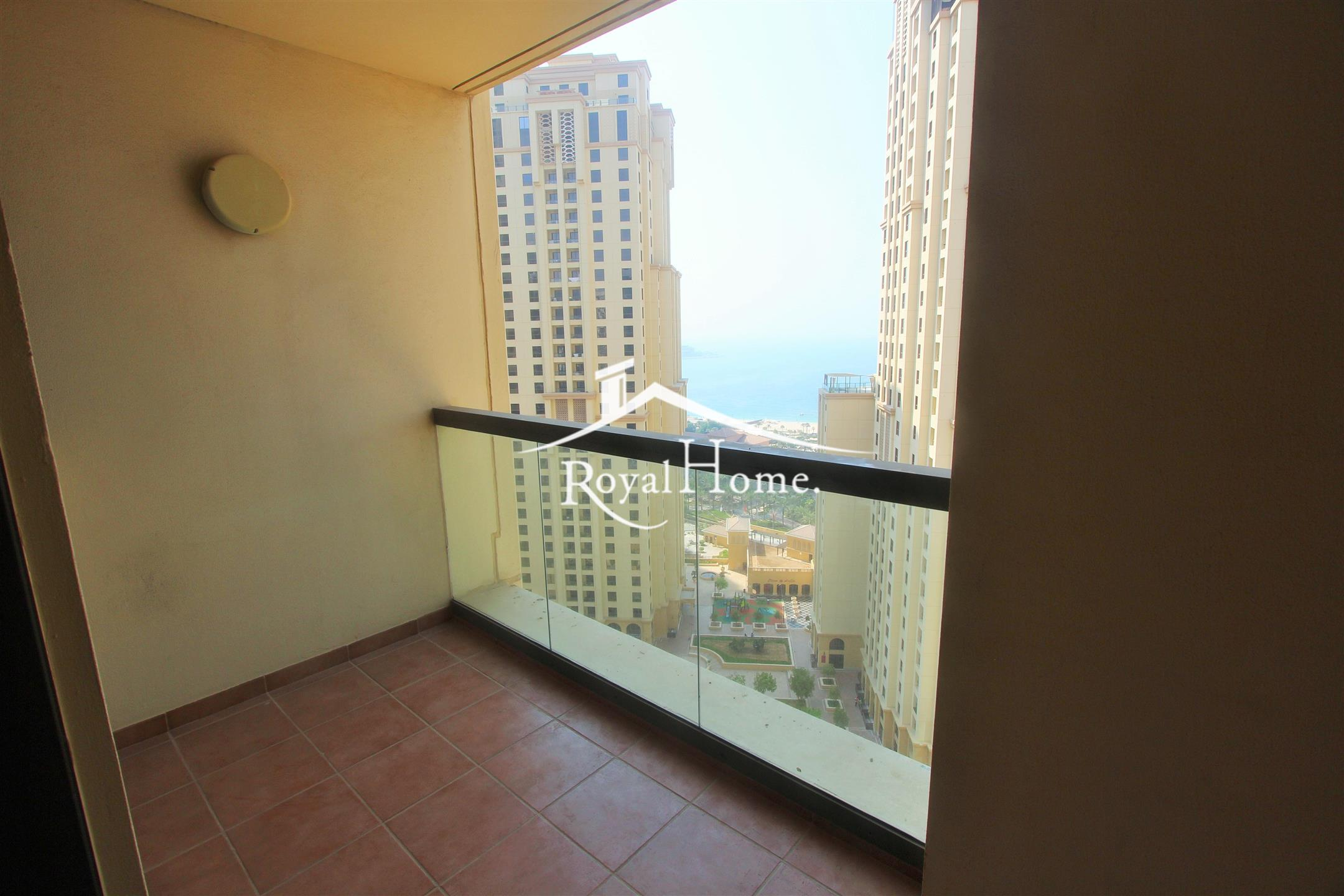 Spacious | Luxurious | 3 Bhk | Middle floor