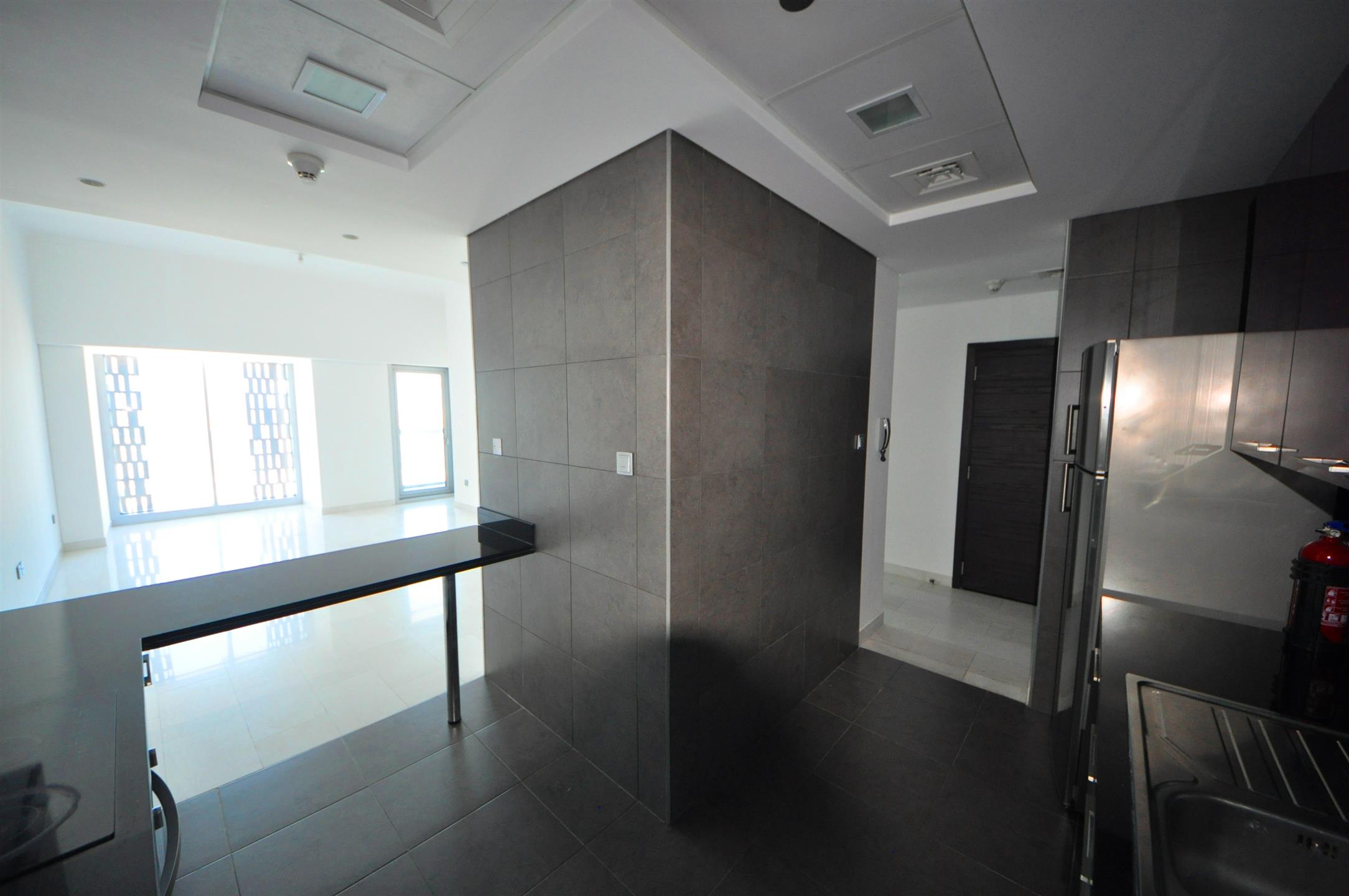 1 BR + storage | Unfurnished | Cayan Tower