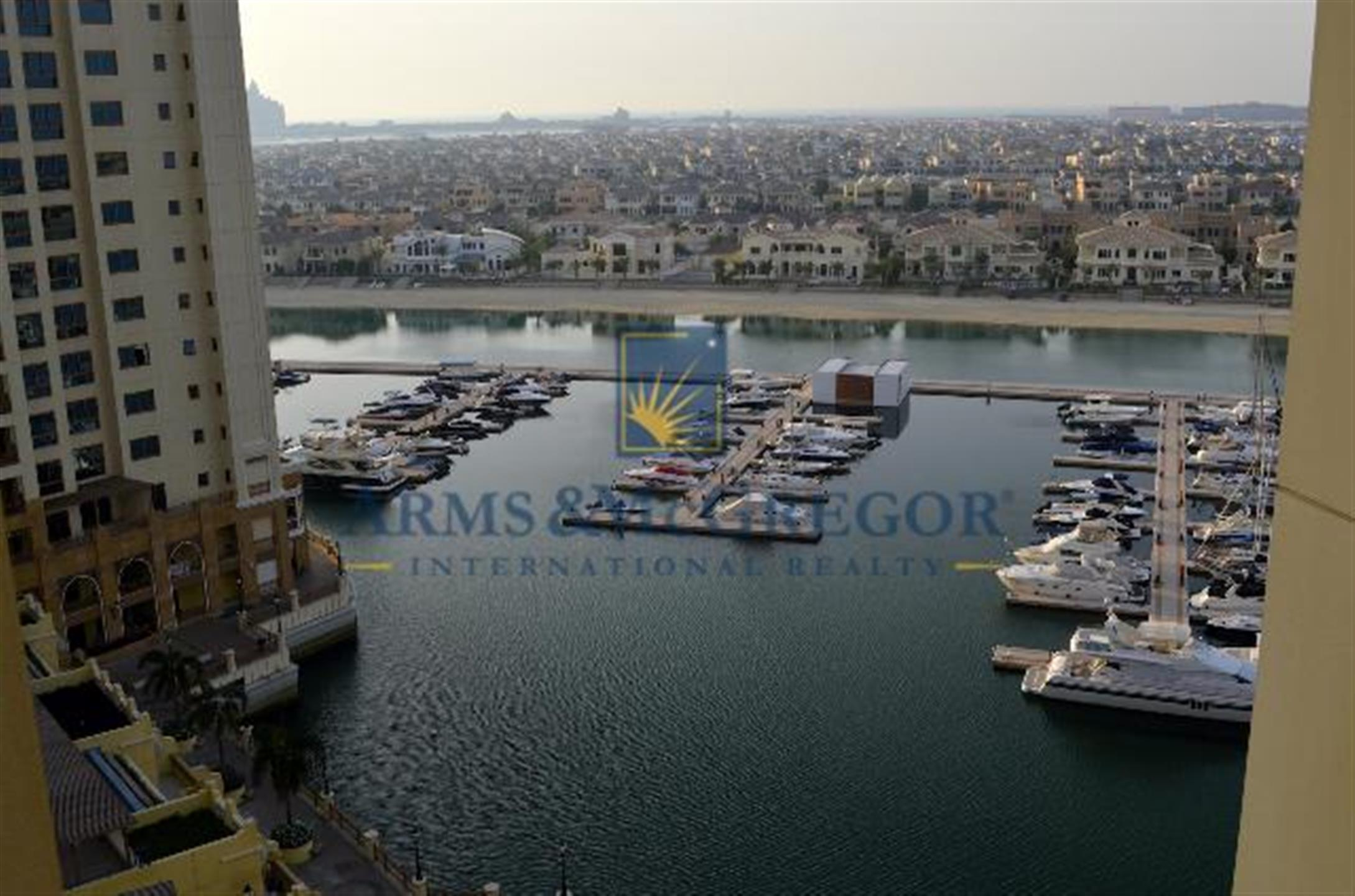 Property - Apartment for rent in The Palm Jumeirah- Dubai - Marina Residence 2