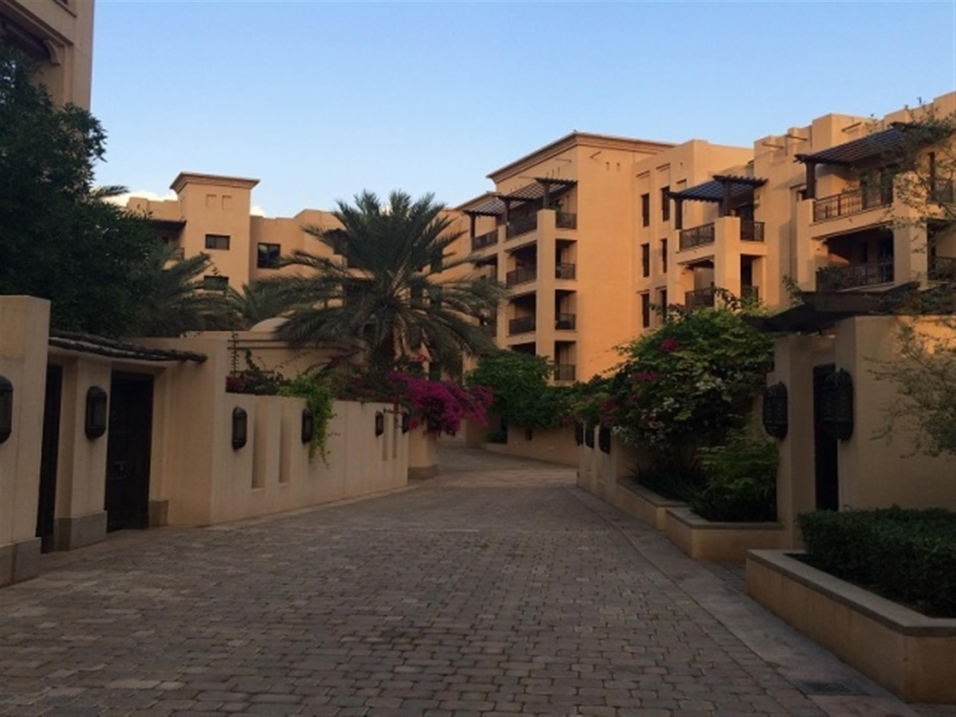 Residential Apartment/Condo, for Sale in United Arab Emirates, Dubai, Old Town