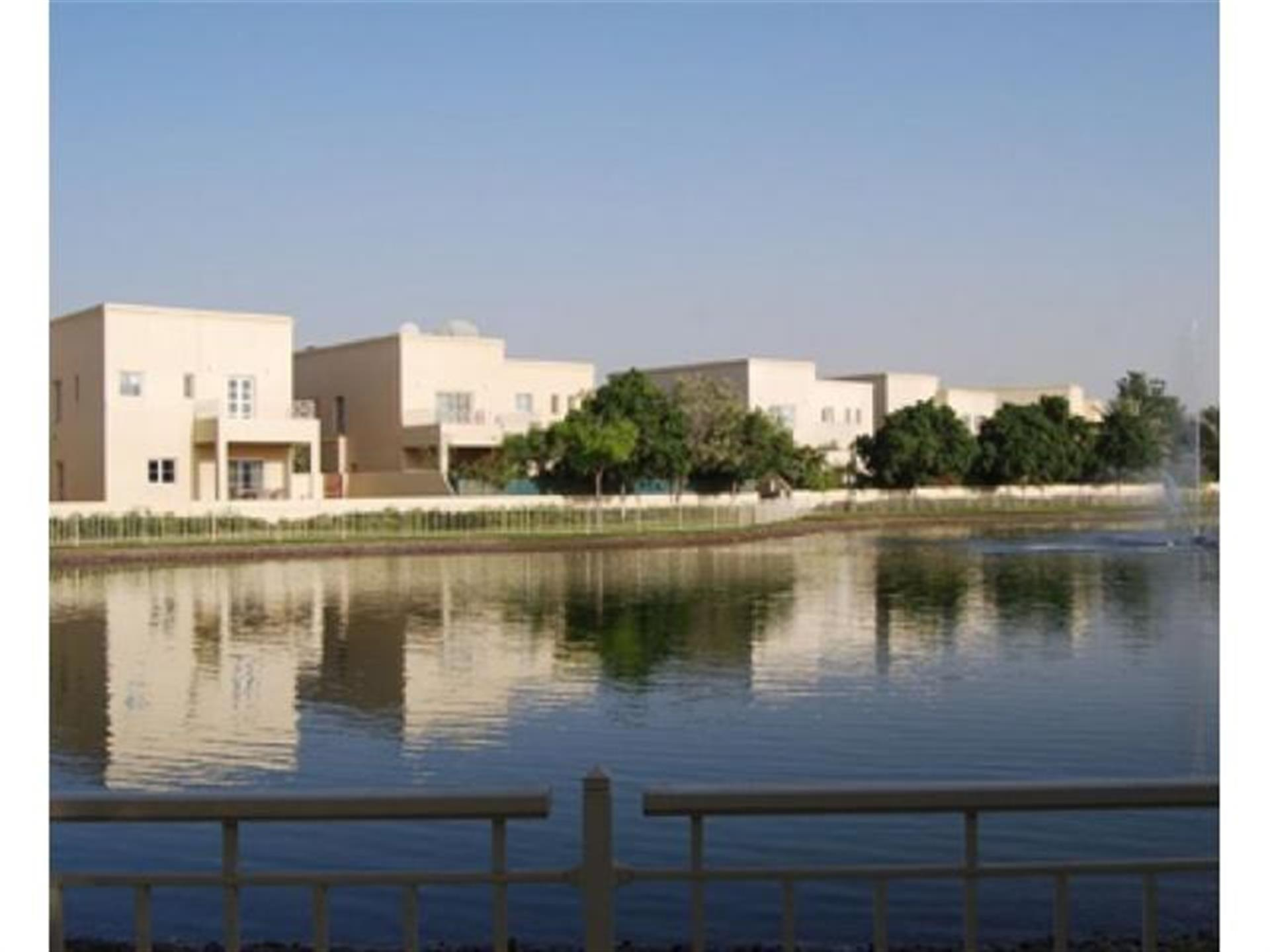 Stunning 3BR Family Villa with Private Garden in Ghadeer The Lakes