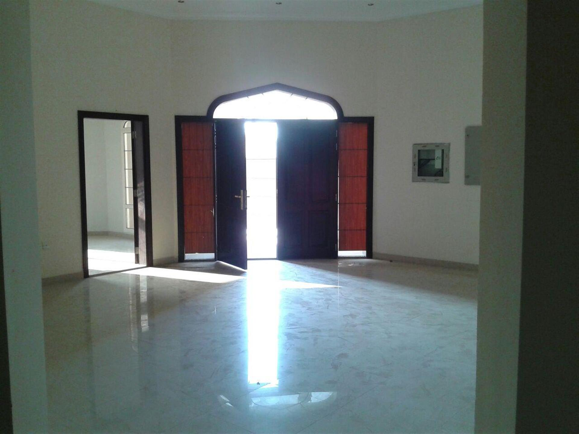 "Exclusive independent Villa Elegant 12 BedRooms In Al Quoz ( "" For Executive Staff Only "" )"