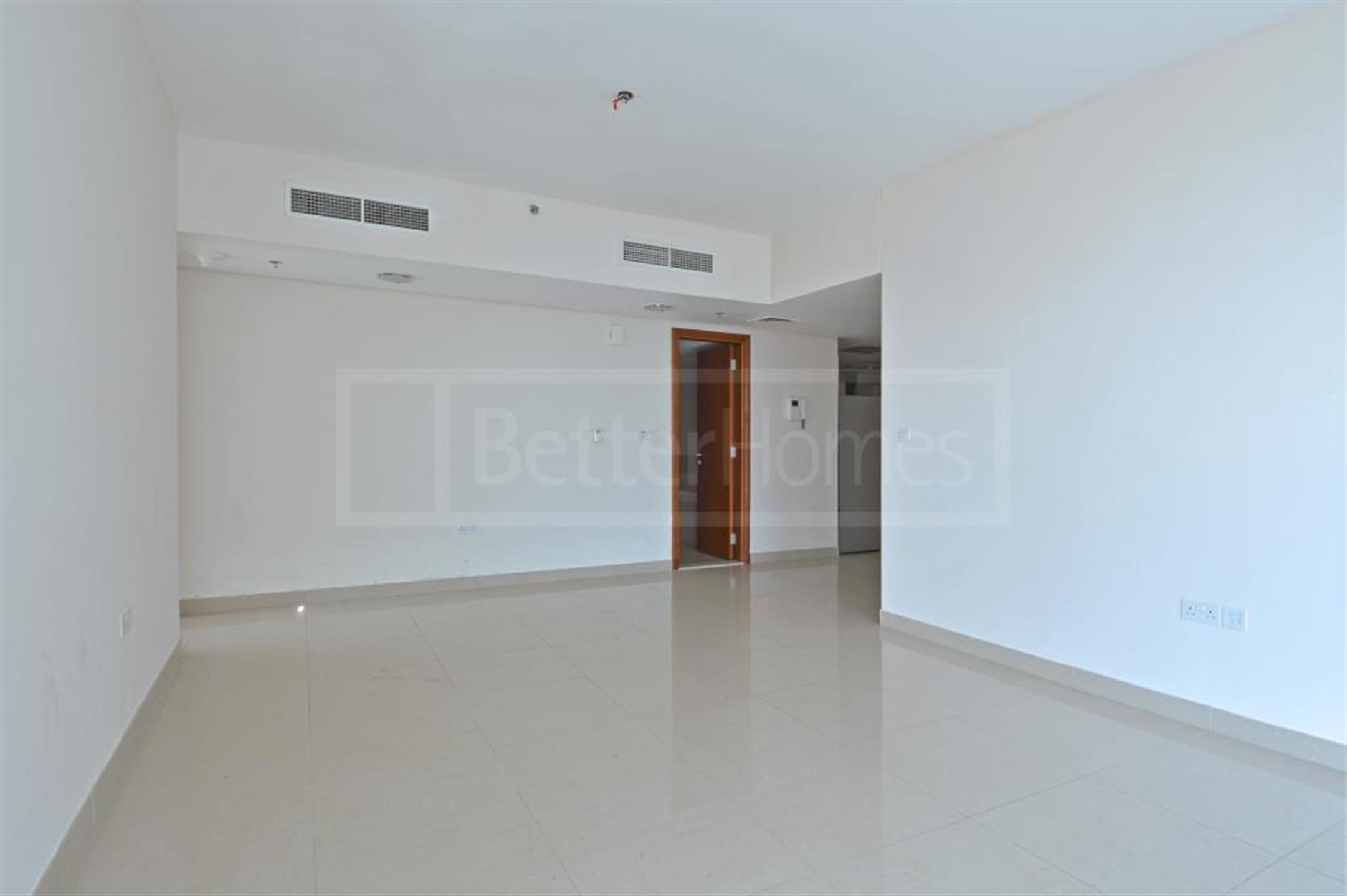 Luxurious apartment with maids in Park Tower B