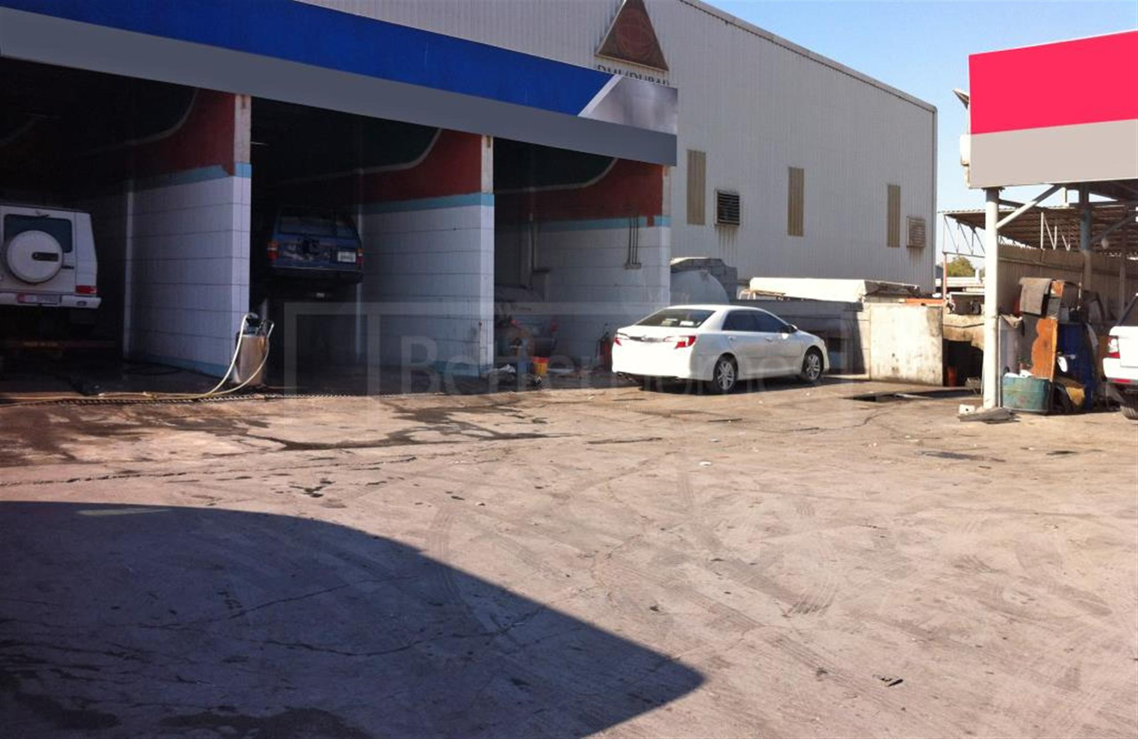 Warehouse garage for sale in Al Quoz Industrial 1 | 3villaz