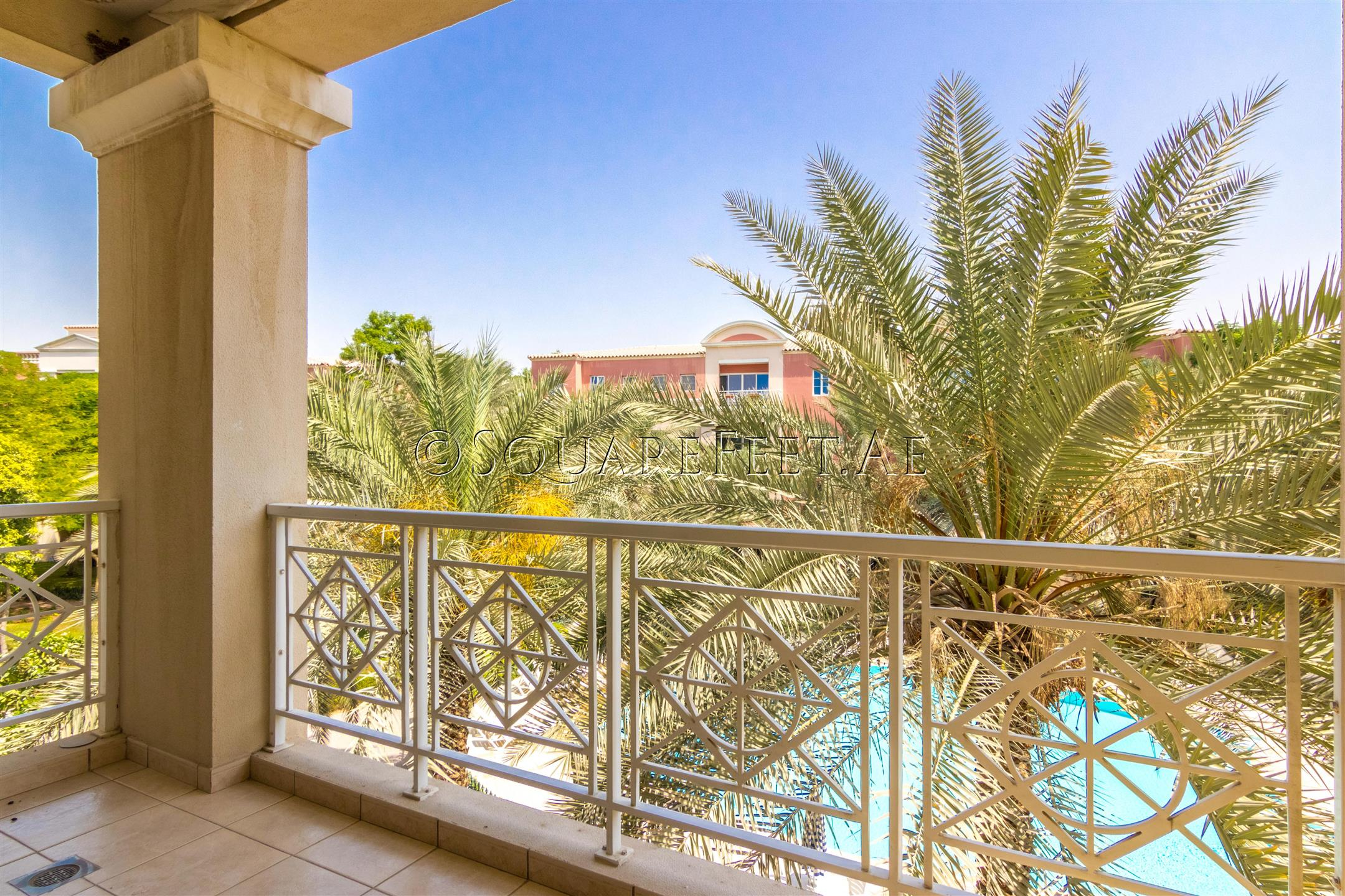 0 Exclusive | Pool Front | Vacant on Sale