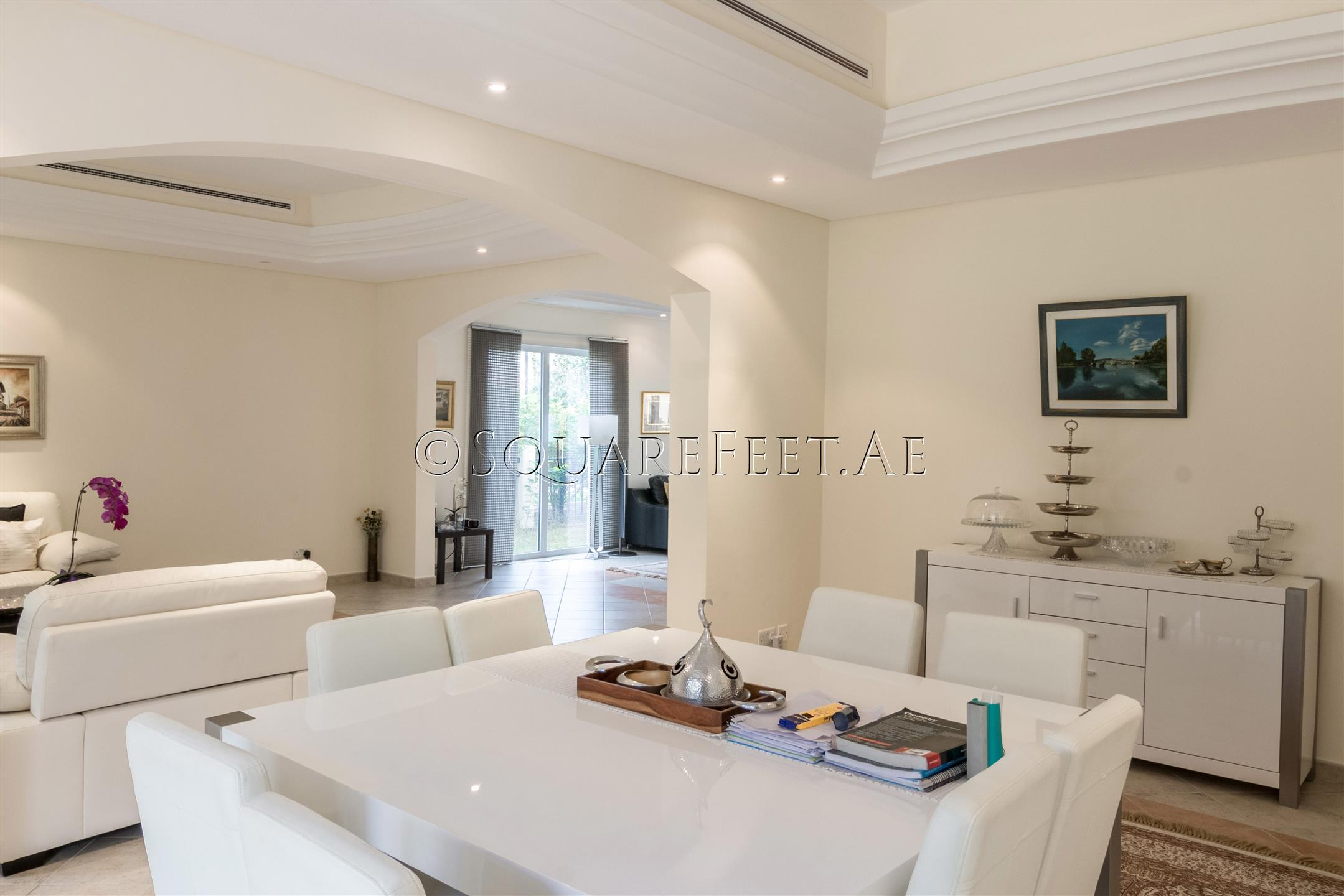Massive 5 Bedroom Villa for Sale